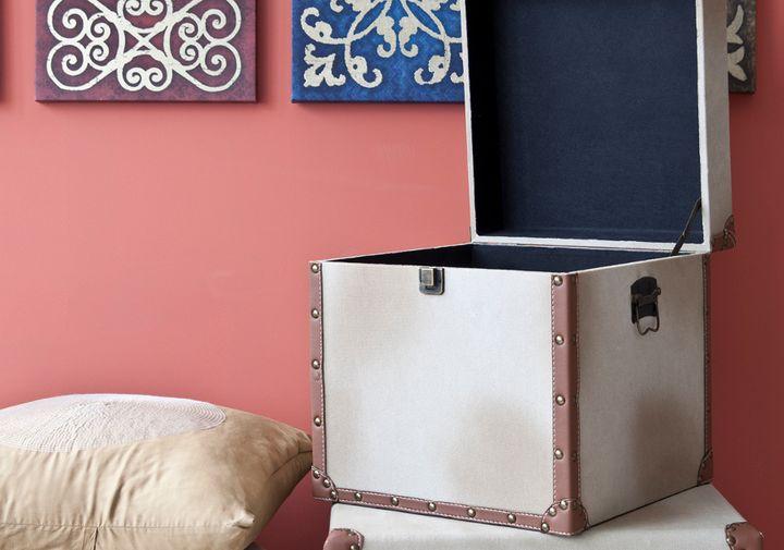 Металлический ящик для хранения вещей