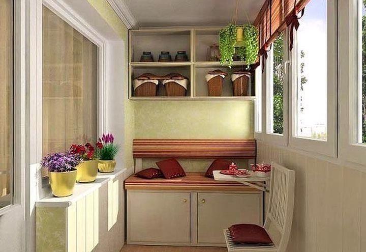 Удобные шкафы на балконе