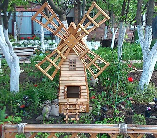 Декоративная мельница на дачу своими руками
