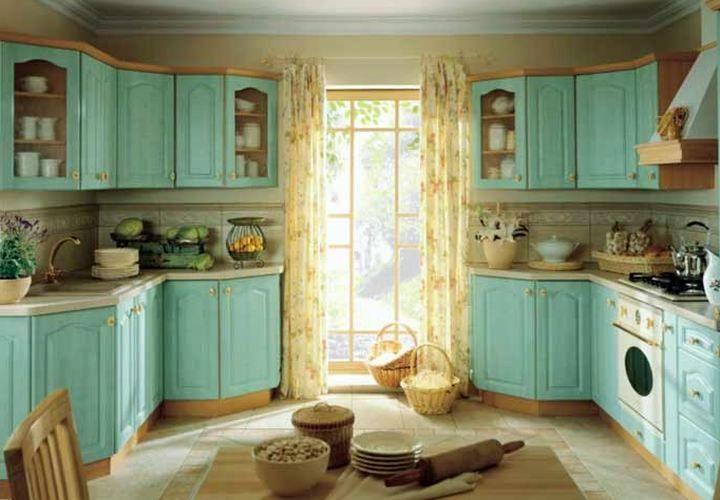 Кухонная мебель с мятным оттенком