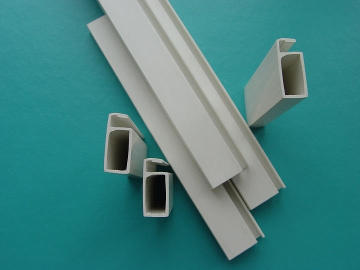 Рамный профиль заводского производства предпочтительнее при самостоятельном изготовлении москитной сетки