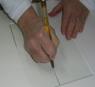 Как резать стекло стеклорезом