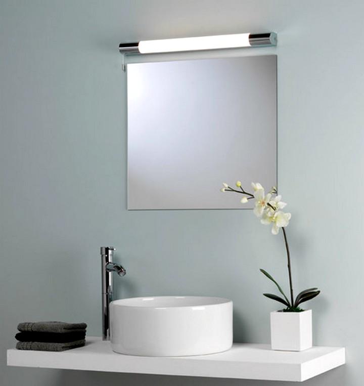 Зеркало в ванную комнату с наружной подсветкой