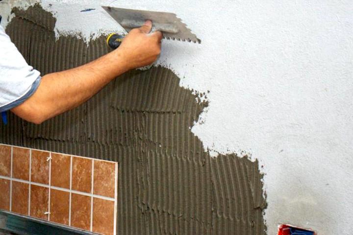 Разновидности клея для керамической плитки
