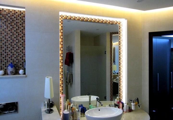 Как монтировать зеркало с подсветкой