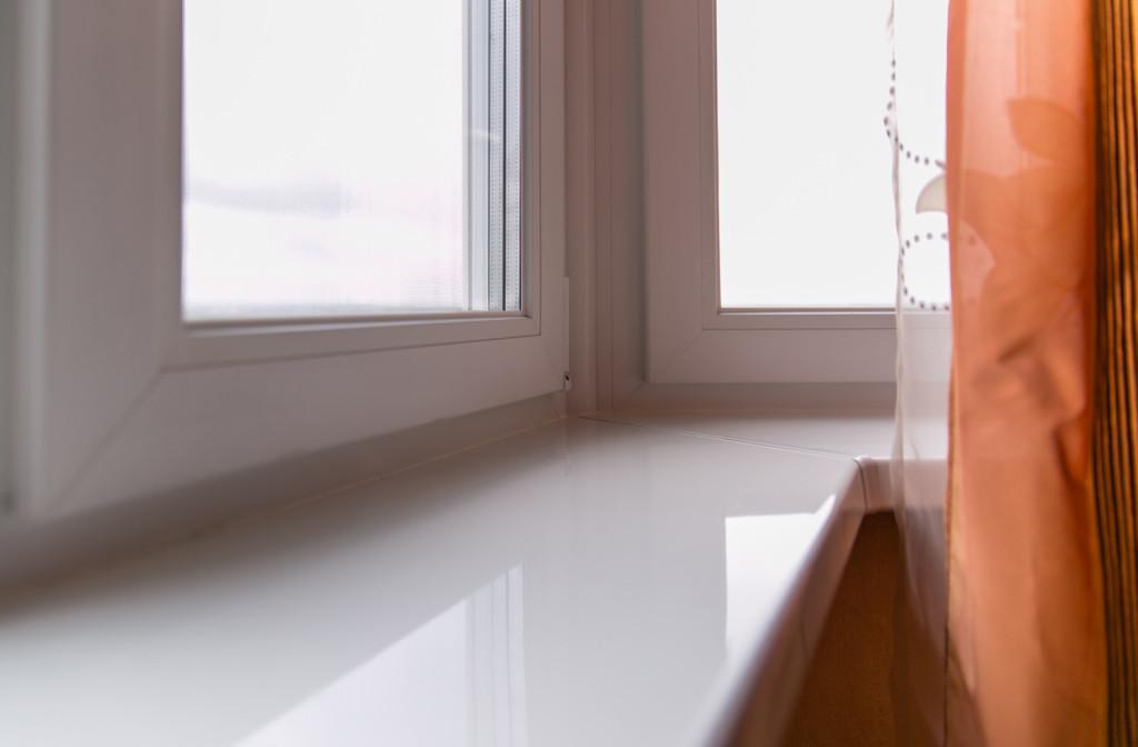 Ремонт подоконника пластикового окна