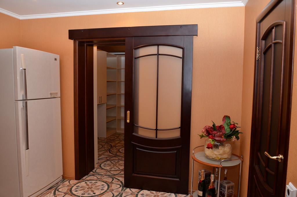Стильная раздвижная дверь
