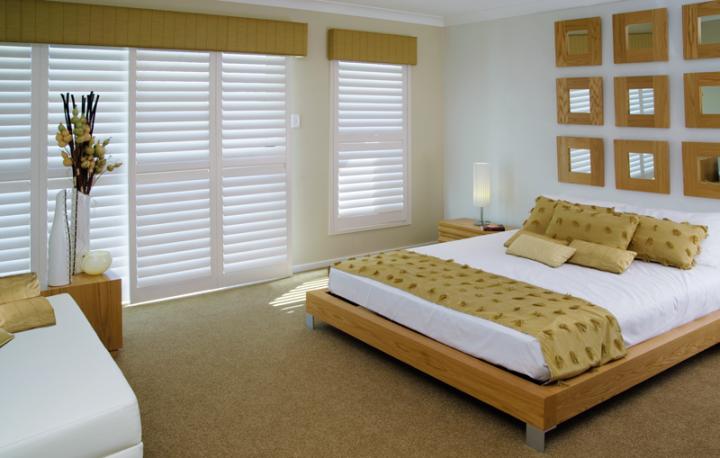 Рулонные шторы в спальню - отличное решение