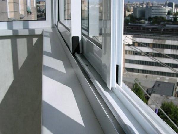 Установка раздвижных алюминиевых систем