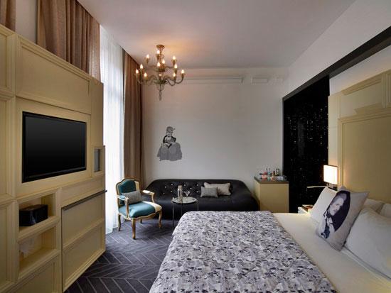 """Спальная комната в отеле """"Опера"""""""