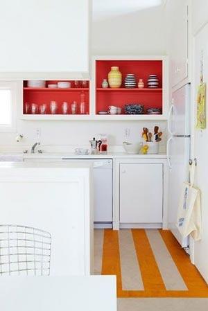 кухня белая и яркая 29