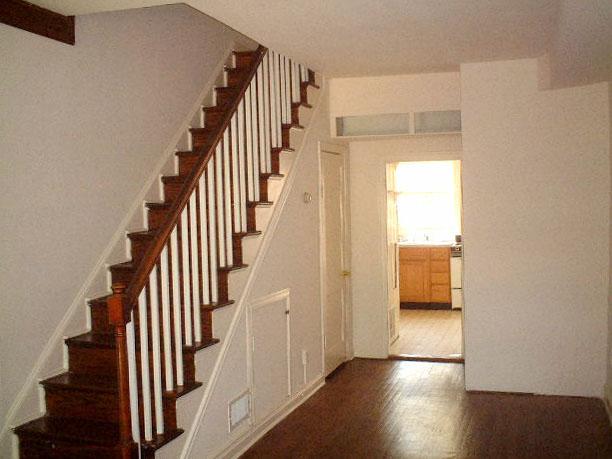 Лестницы в прихожей