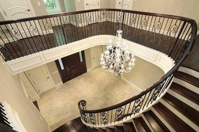 Оригинальное освещение лестниц