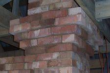 Разделка (кладка) печной трубы у потолка