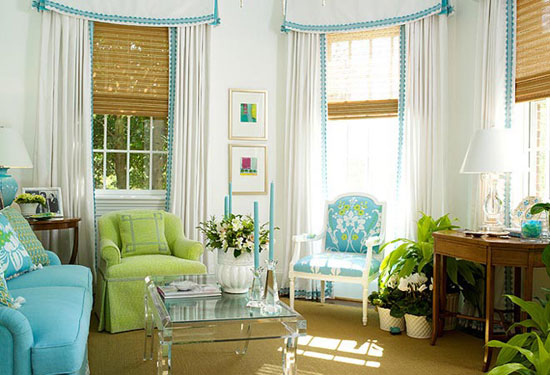 Использование голубого и зеленого цвета в гостиной