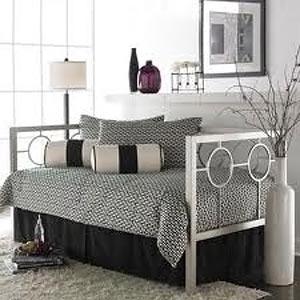 спальня для девушки оригинальная 29