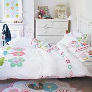 спальня для девушки стиль коттедж 12