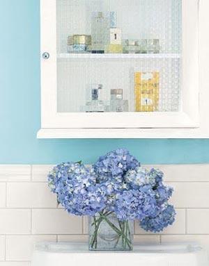 цветы в ванной комнате 03