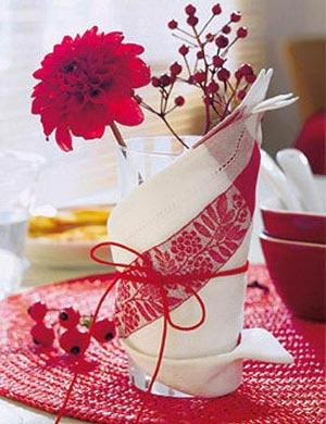украшение стола композициями из цветов 08