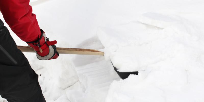 Телескопический скребок для уборки снега с крыши 9 метров