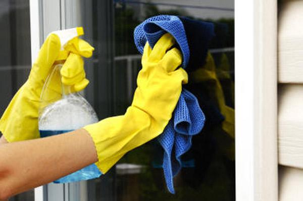 регулярно мыть специальными средствами