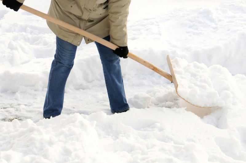 Деревянная лопата из фанеры для уборки снега