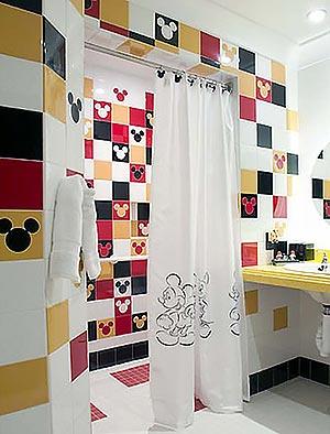 яркая ванная комната 23