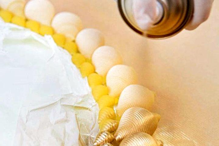 Покрытие краской рамы из макарон