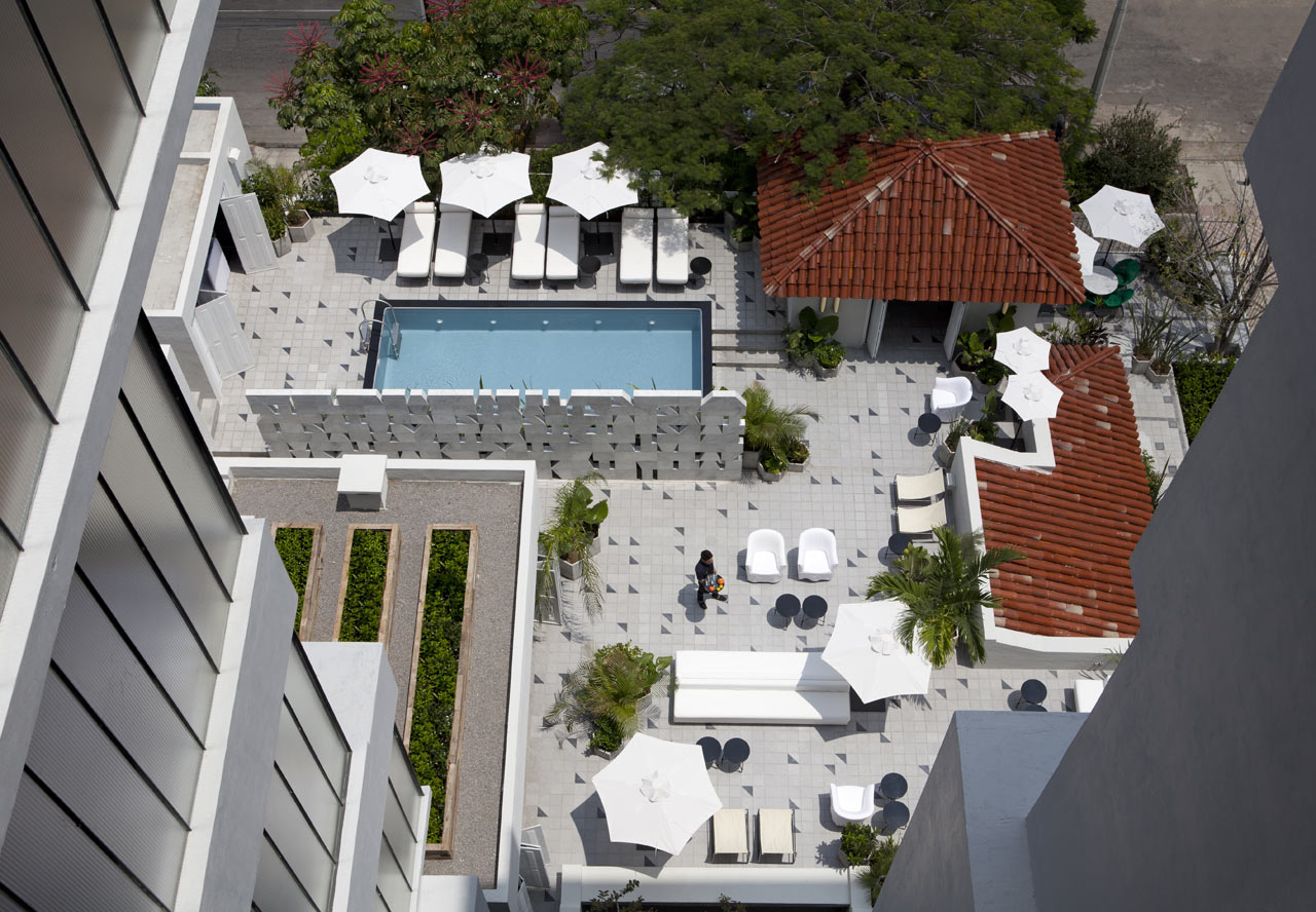 Красочный мексиканский отель с классическим европейским дизайном