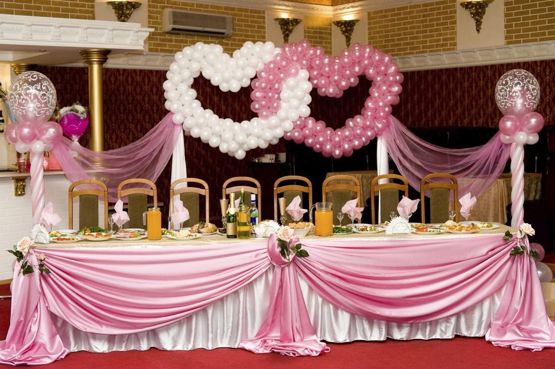 Декор шарами сердечками