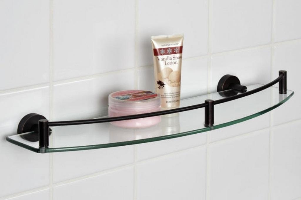 Простые полки для ванной комнаты