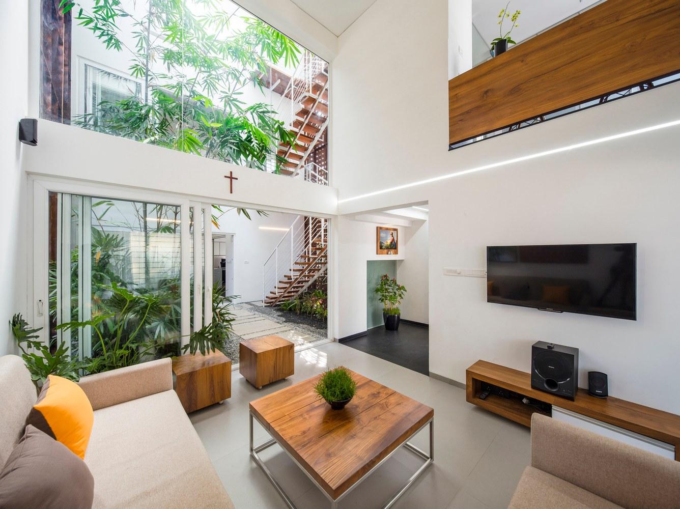 великолепный дом с крытым атриумом1