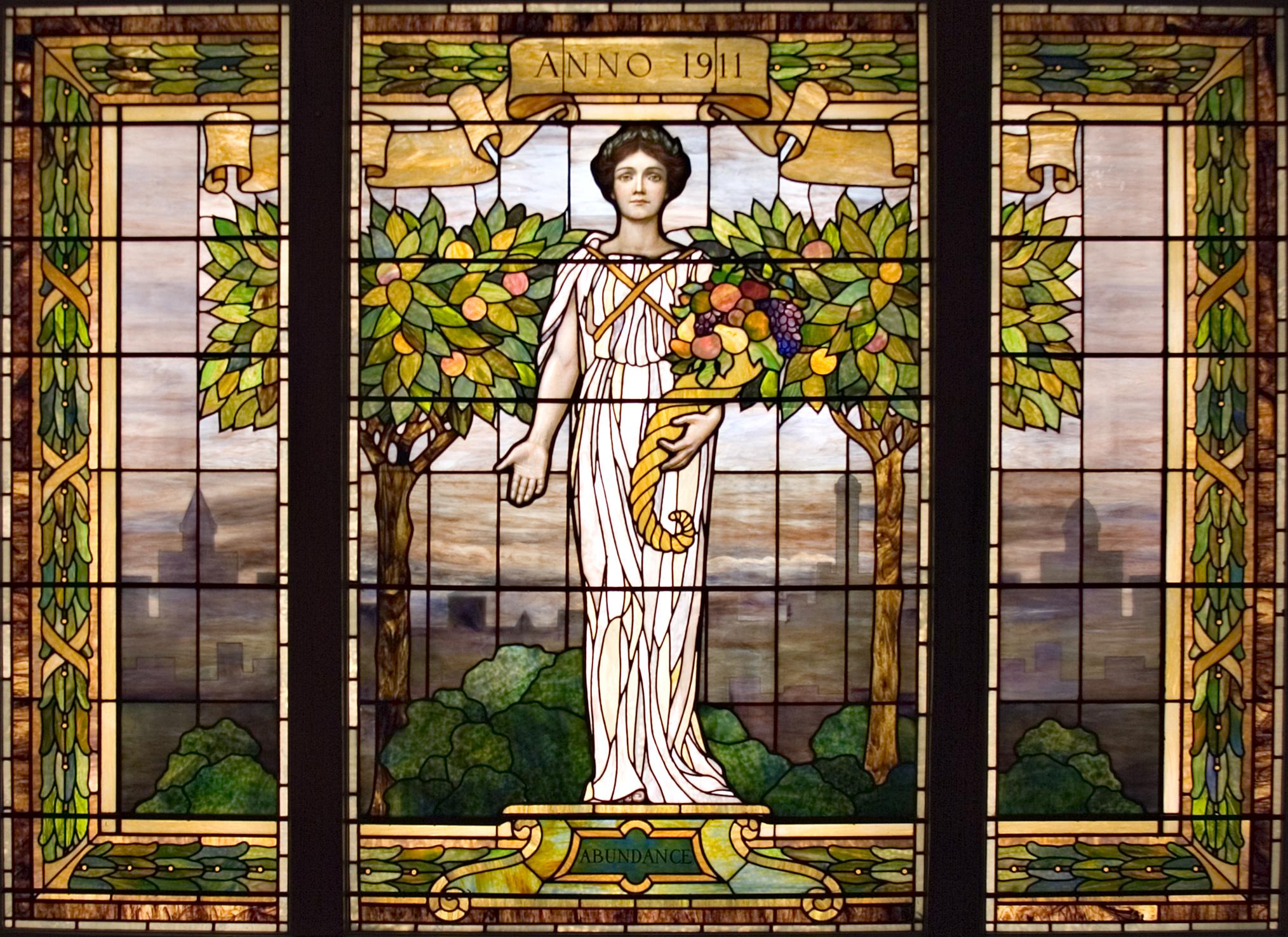 Витражные окна Тиффани