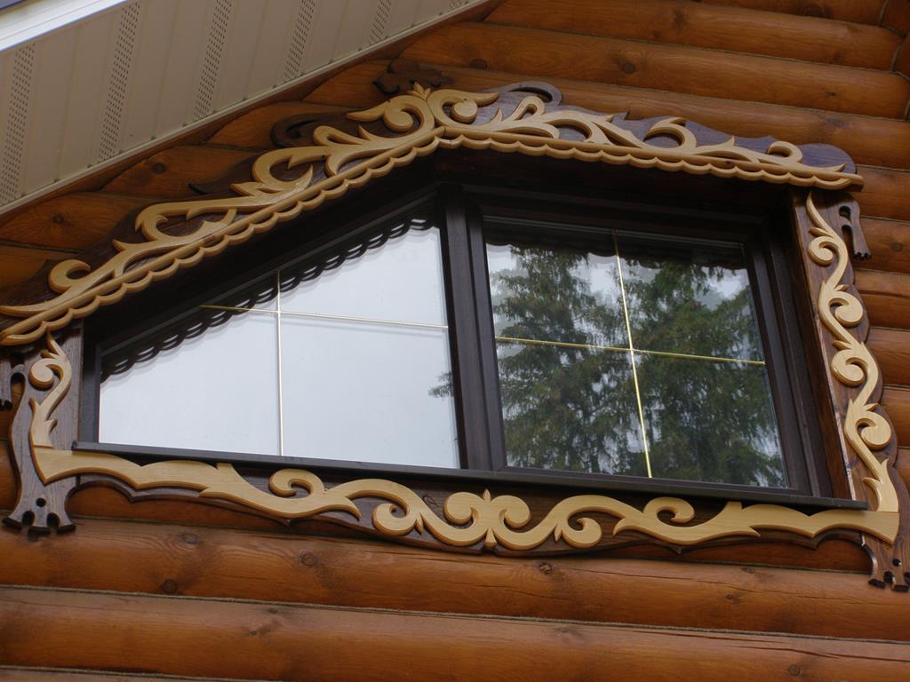 Узорчатые окна с наличниками