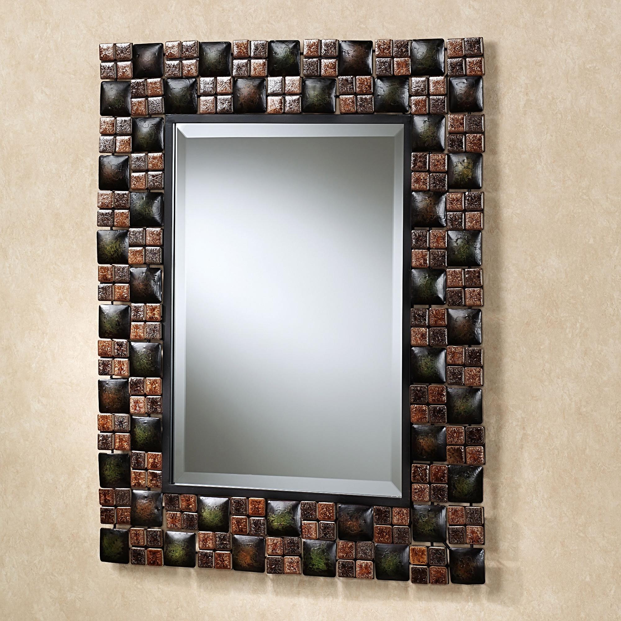 Зеркало с отделкой