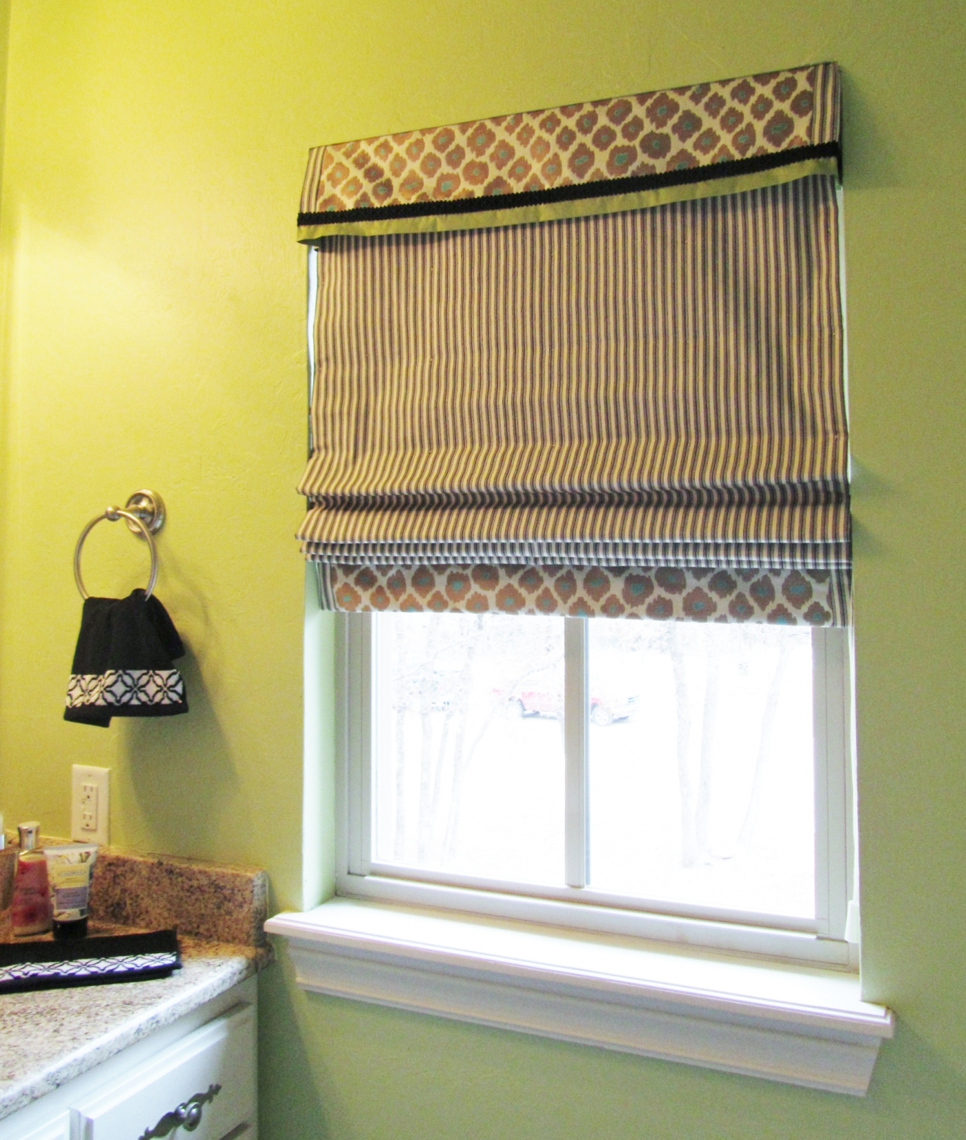 Как сделать римские шторы на кухню своими руками 555