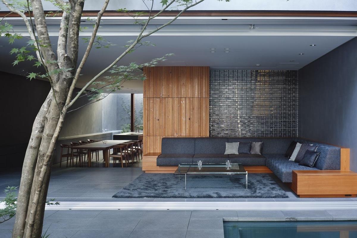 потрясающий дом с внутренним4