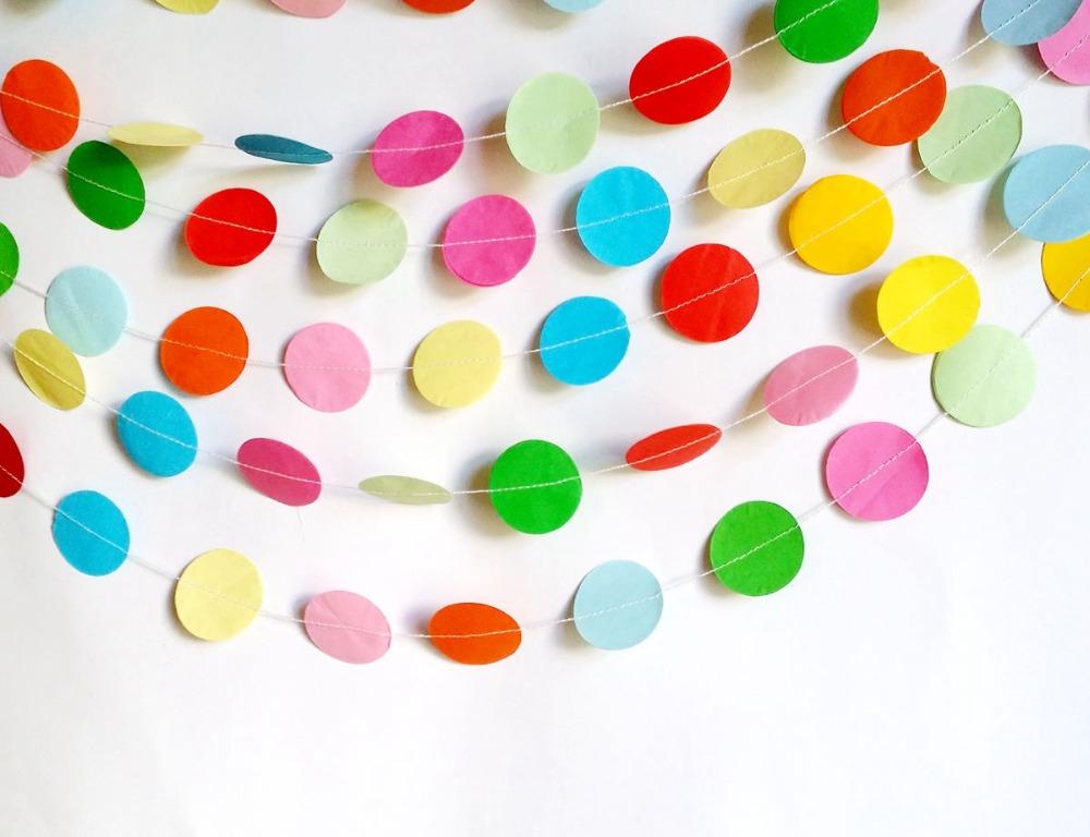 Гирлянда из кругов из цветной бумаги