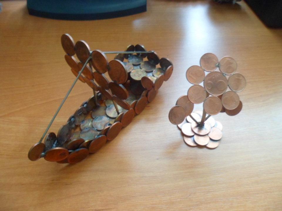 Поделки из монет могут использоваться в качестве обычного платёжного средства