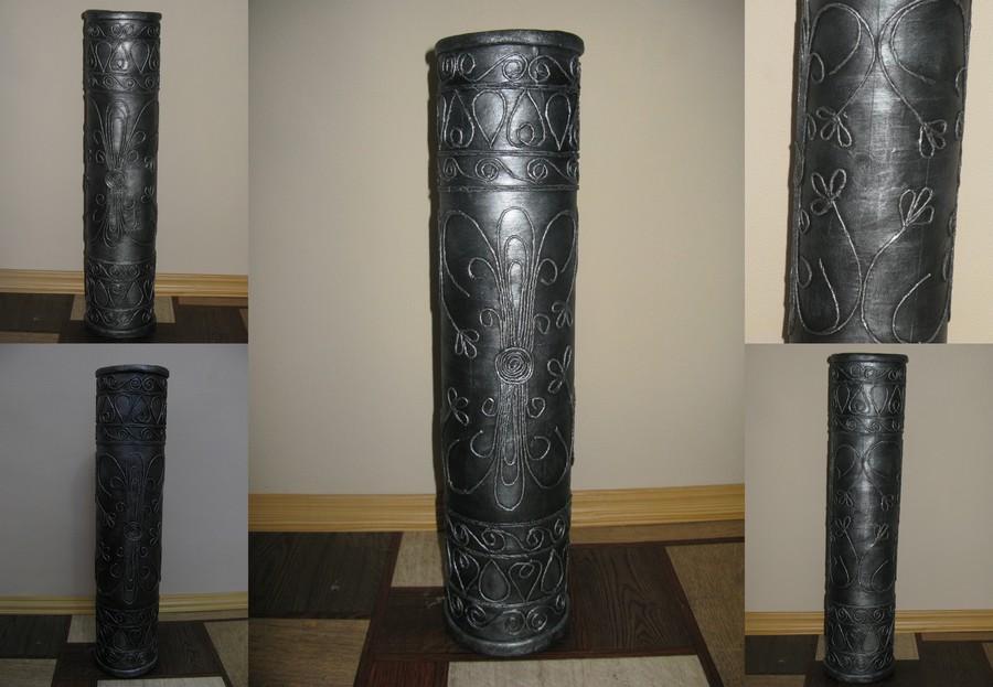 Ваза из втулки от линолеума украсит интерьер Вашего дома