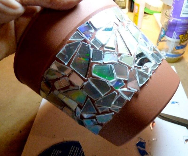 Мозаичный горшок из диска