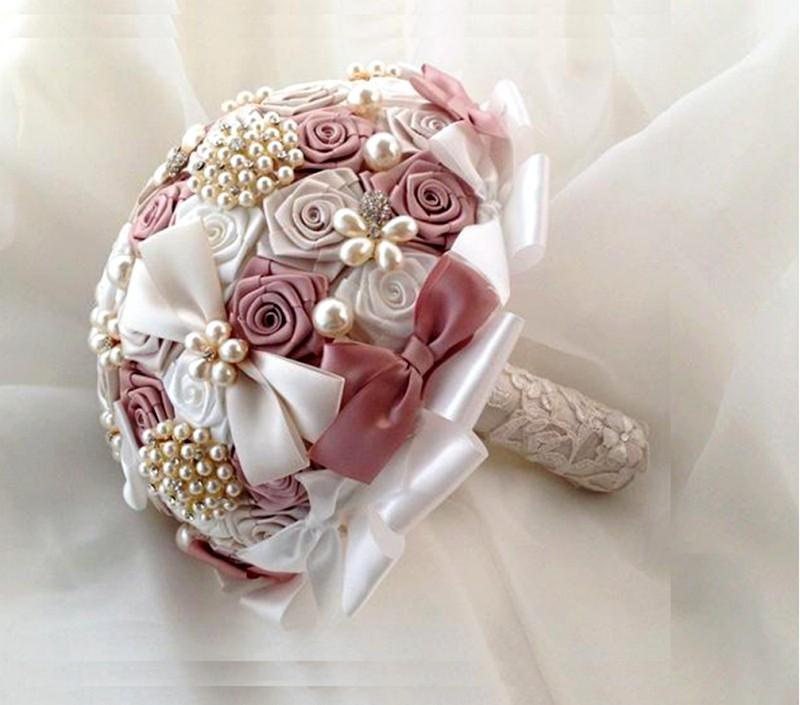 svadebnyy_buket_iz_atlasnyh_lent