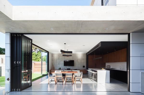 semejnyj-dom-s-betonnym-fasadom6