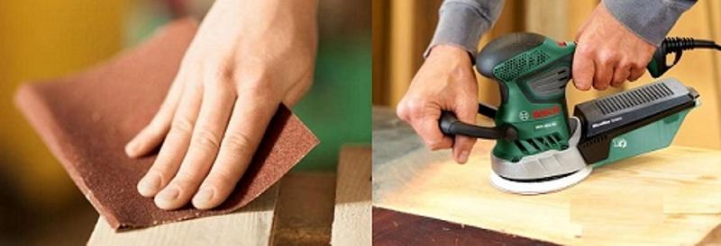 Подготовка старых стульев с помощью наждачной бумаги или шлифовальной машинки
