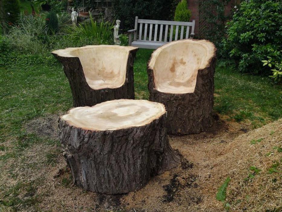 Кресла из пеньков