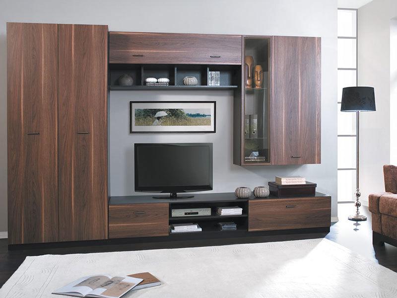 Если пространство планируется одновременно и для хранения, то в мебели должны быть предусмотрены такие модули, как шкафы, комоды или открытые стеллажи