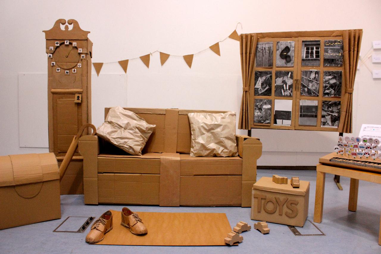 Мебель из картонных коробок в интерьере