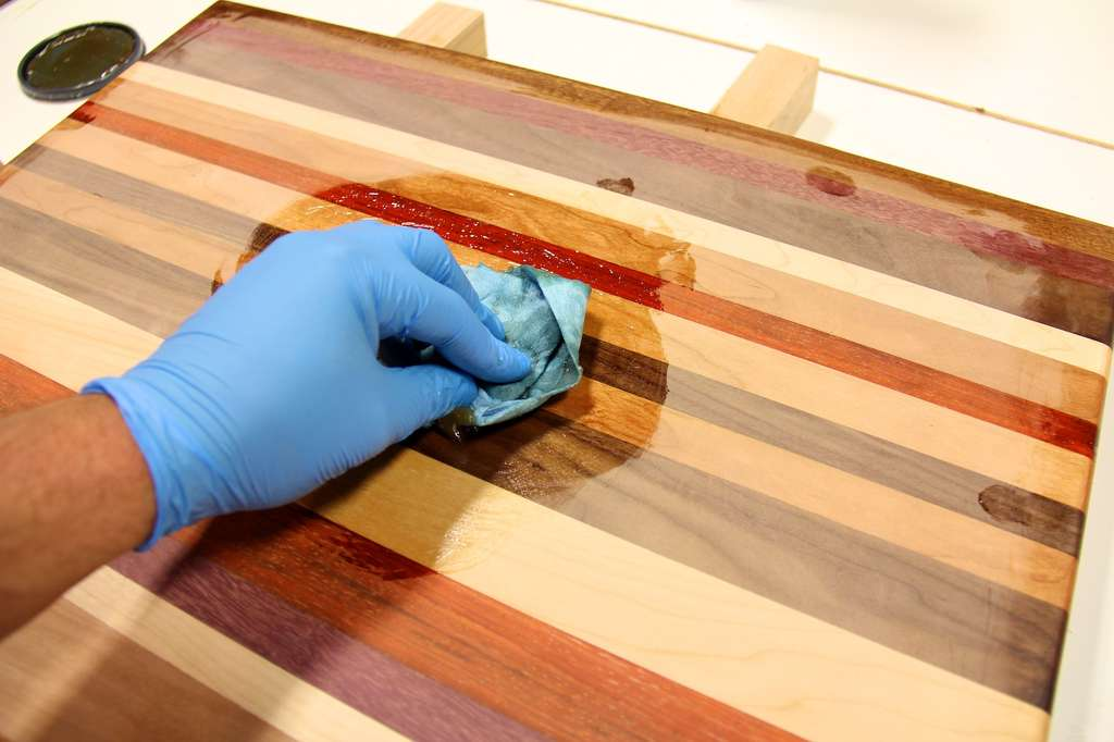 Растворение старого лакокрасочного покрытия