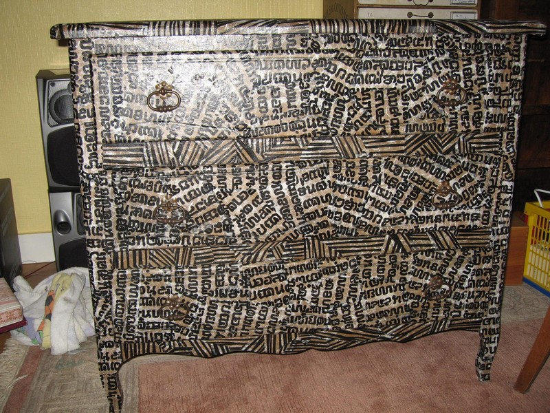 Декопатч представляет собой технику склеивания встык отдельных кусочков какого-либо материала