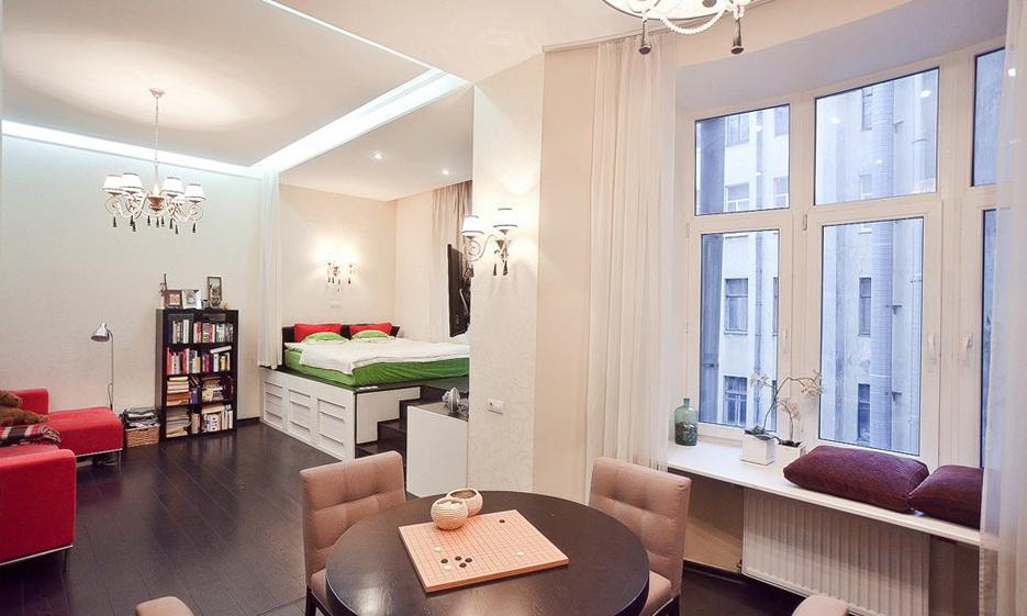 В студии квартире 40 кв. м можно расположить все необходимые зоны так, как кажется правильным